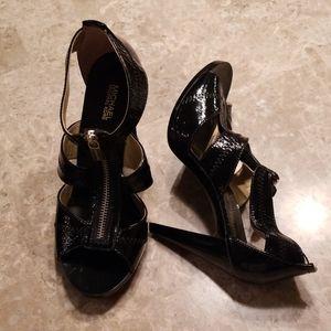 NWOT Size 7 Michael Kors Black Sandals